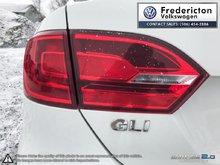 2013 Volkswagen Jetta GLI 2.0T 6sp DSG w/Tip (2)
