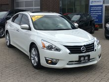 2015 Nissan Altima I4 CVT 2.5 **Bi-Weekly Payment $167.94**
