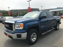 2015 GMC Sierra 1500 Crew 4x4 Base / Standard Box New Brakes..One Owner..Gently Used..Full Crew..Levelling Kit..A/T Tires..Tow Pkg..Backup Cam!!