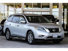 2014 Nissan Pathfinder S V6 4x2 at 7 Passenger Local One Owner With low k