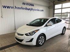 Hyundai Elantra LE**clean car need to see it** 2016