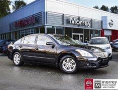 2012 Nissan Altima 2.5 S Luxury * Moonroof, Heated Seats, Bluetooth!
