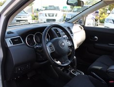 2012 Nissan Versa SL CVT AUTO SUNROOF LOW KMS