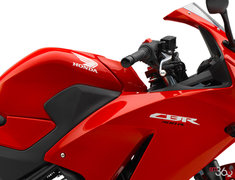 Honda CBR300R  2015