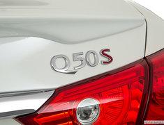 2017 INFINITI Q50 RED SPORT