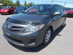 Toyota Corolla CE, 5 VIT, AC,BALANCE GARANTIE  2012