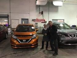 Nissan Versa Note sv orange 2017
