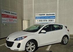 Mazda Mazda3 2013 TOIT OUVRANT PNEUS NEUF BAS KILOMETRAGE