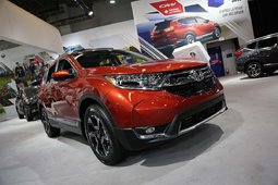 The 2017 Honda CR-V showcased at the Montreal Auto Show - 14