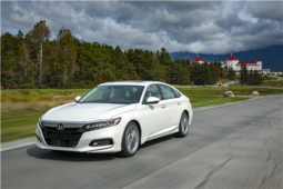2018 Honda Accord wins two major awards in January - 6