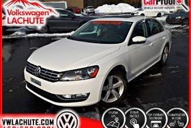 2015 Volkswagen Passat V6 COMFORTLINE + 3.6 L + !! 14, 106 KMS !! + NAV +