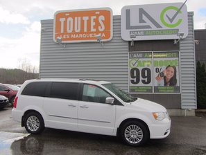 Chrysler Town & Country Limited 2015 WOW !!! IMPECCABLE
