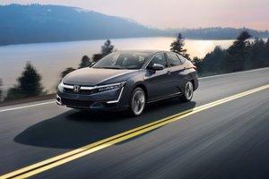 2018 Honda Clarity Plug-In Hybrid: A Premium, Environmentally Friendly Sedan.
