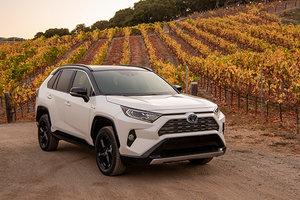 Toyota RAV4 2019 : Location et option de financement chez Spinelli Toyota Pointe-Claire