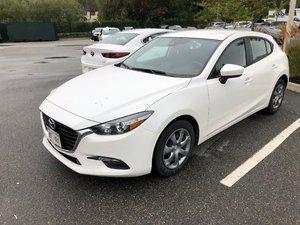 2018 Mazda Mazda3 Sport GX One Owner..Local Trade..Auto..Air..Cruise..Backup Cam..Bluetooth..Hatchback!!