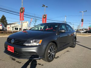 2016 Volkswagen Jetta Sedan Comfortline 1.4L TURBO..NEW BRAKES..AUTO..POWER ROOF..HEATED SEATS..BACKUP CAM..SATELLITE RADIO..BLUETOOTH!!