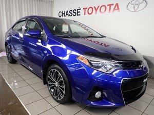 Toyota Corolla S Groupe Amélioré Toit + Mags 2015
