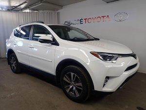 2017 Toyota RAV4 XLE AWD - TOIT - Garantie PROLONGÉE