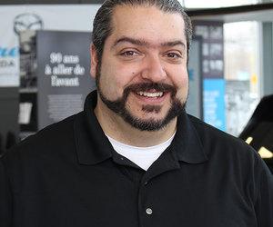 Nino Mancuso : un conseiller aux ventes aussi réalisateur de courts-métrages de zombies!