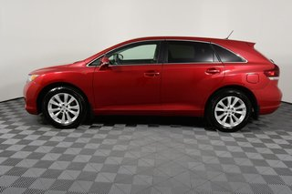2014 Toyota Venza XLE AWD. New Battery. New Front Brakes.