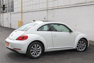 2015 Volkswagen The Beetle Comfortline 1.8T 6sp at w/ Tip