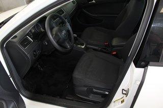 Volkswagen Jetta Sedan Trendline + 2013