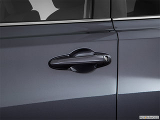 Toyota RAV4 LE FWD 2018