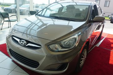 Hyundai Accent GL AUTO A/C GR.ELEC 2012