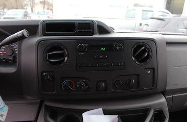 2016 Ford E450 5.4L 8 CYL AUTOMATIC RWD CUBE VAN