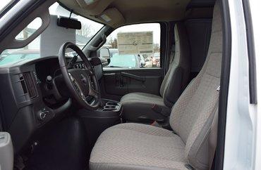 2018 GMC Savana cargo 3500 WT