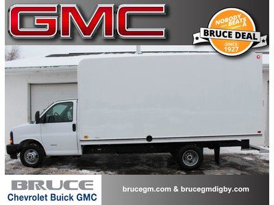 2017 GMC Savana 4500 6.0L 8 CYL AUTOMATIC RWD CUBE VAN | Bruce Chevrolet Buick GMC Middleton