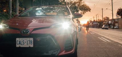 Une autre belle innovation de Toyota, les phares automatiques