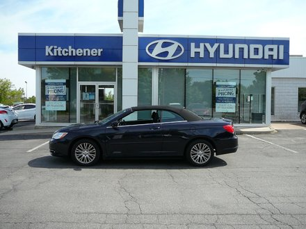 2012 Chrysler 200 convertible touring CONVERTABLE// AIR CONDITIONING // AUTOMATIC