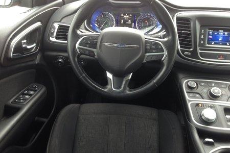 2016 Chrysler 200 Limited