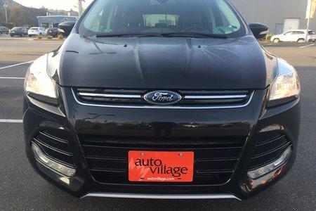 2014 Ford Escape Titanium! WIFI** REMOTE START**