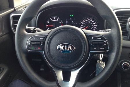 2017 Kia Sportage LX! ALL WHEEL DRIVE..HEATED SEATS..BACKUP CAM!!