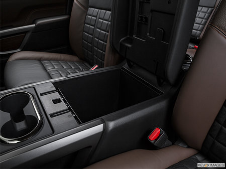 Nissan Titan PLATINUM RESERVE 2018 - photo 4