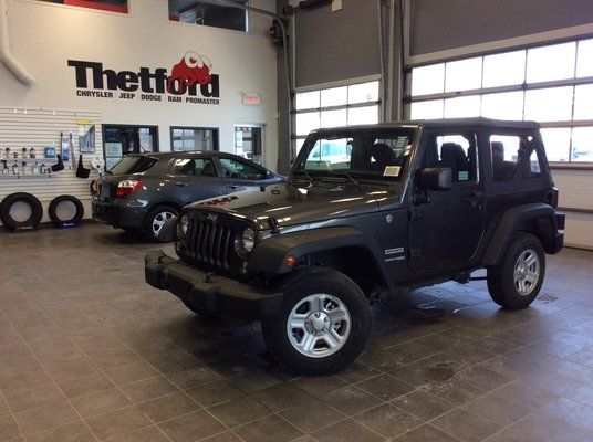 thetford chrysler jeep wrangler jk sport location 39 mois seulement 77 par semaine 2018. Black Bedroom Furniture Sets. Home Design Ideas