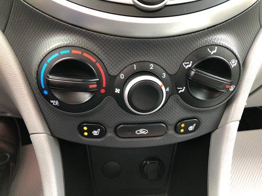 2013 Hyundai Accent GL (7/7)