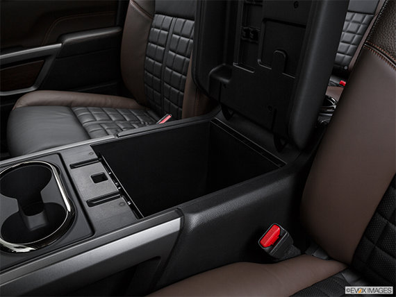 Nissan Titan XD Diesel PLATINUM 2018