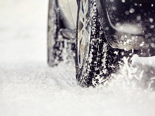Comment conduire en sécurité dans une tempête de neige