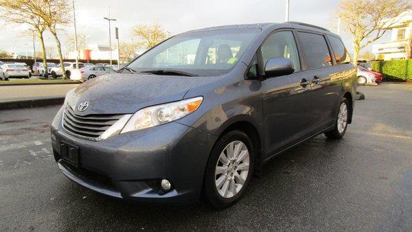 2014 Toyota SIENNA LIMITED XLE