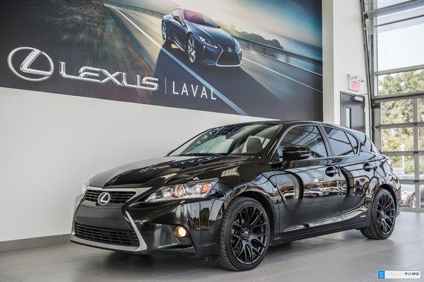 Lexus CT 200h HYBRIDE/2 SET DE MAGS ET PNEUS 2014