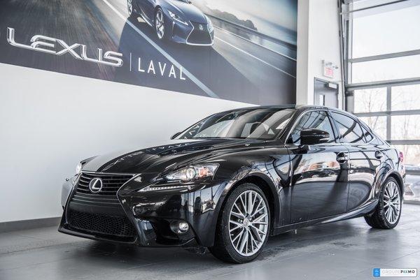 Lexus IS 250 LUXE / Navigation / Cuir / Camera. 2015