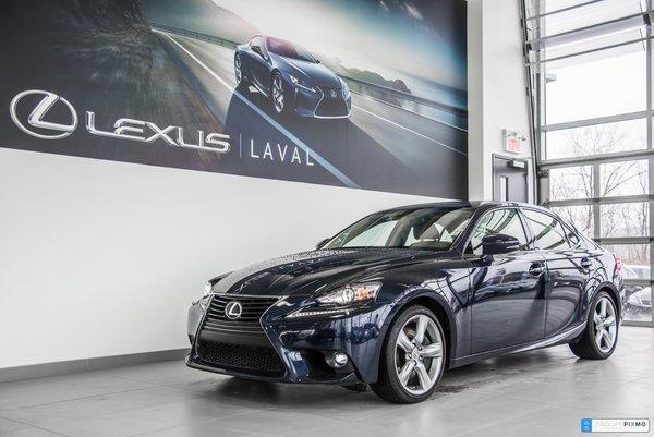 2015 Lexus IS 350 AWD- Taux a compter de 0.9%