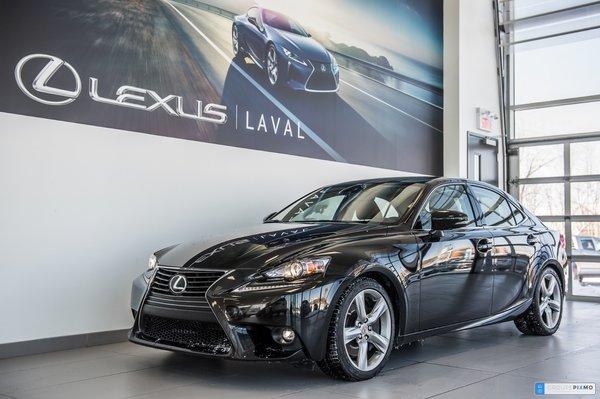 2016 Lexus IS 350 AWD-Luxe-Navigation-Caméra