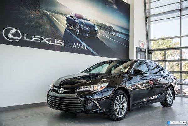 Toyota Camry XLE + NAVI + CUIR + DÉMARREUR DISTANCE 2017