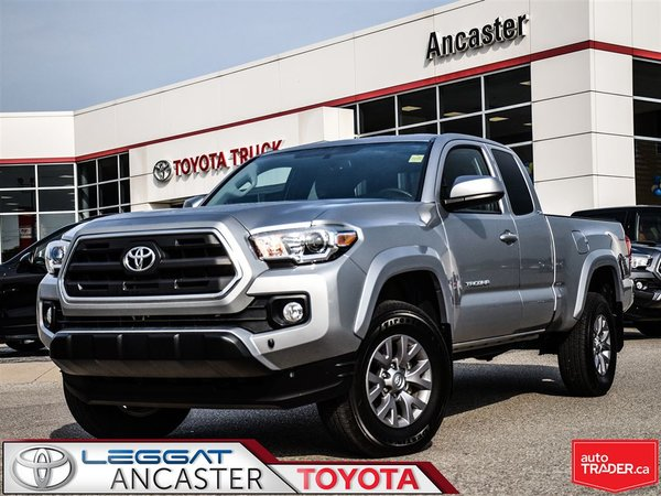 2017 Toyota Tacoma SR5 V6 ACCESS CAB 4X4 ONLY 9808 KMS!!