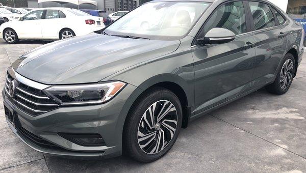 2019 Volkswagen Jetta Execline Auto w/ Drivers Assist Pkg.