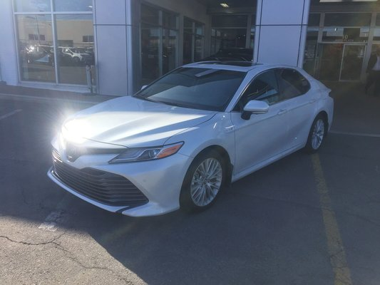 Used 2018 Toyota Camry Hybrid Xle In Montreal Laval And South Shore